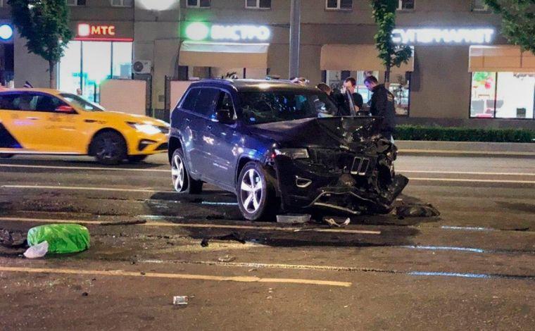 Кто мог находиться за рублем автомобиля Михаила Ефремова в момент ДТП?
