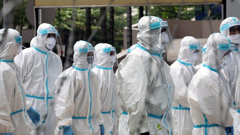 Медикам России отказывают в выплатах за дополнительную нагрузку