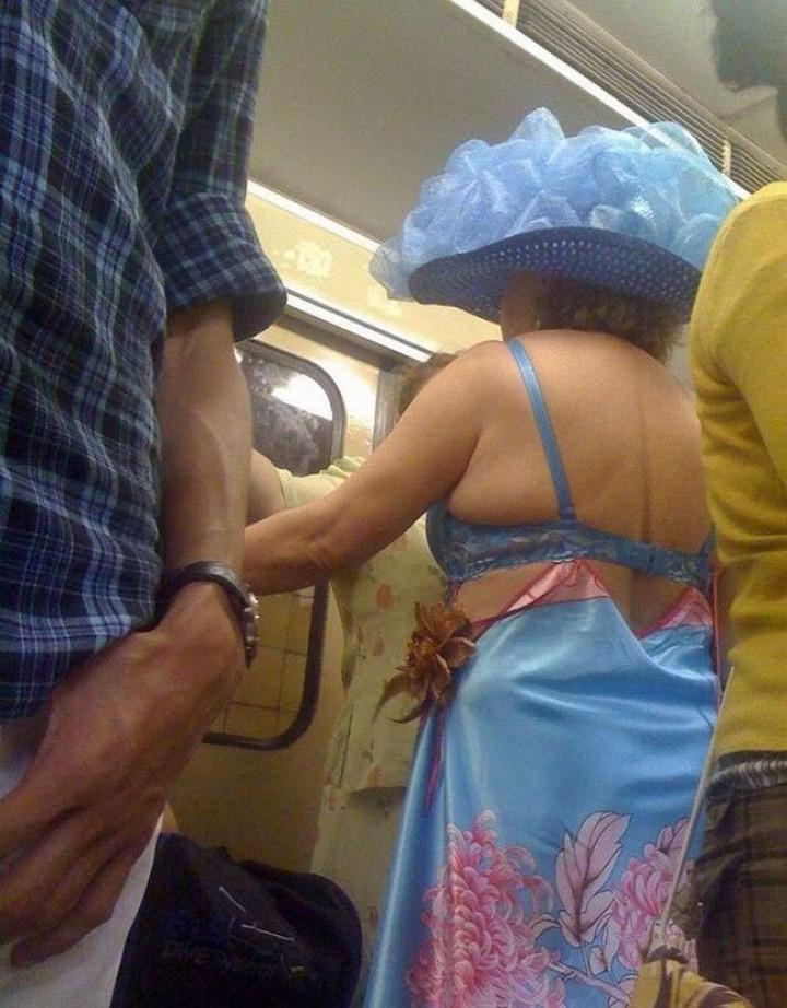 Кто был в метро, тот в цирке не смеётся 2